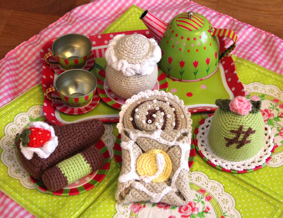 crochet food pastry cake baby toy patern