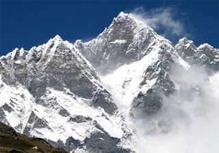7 Gunung Tertinggi di Dunia
