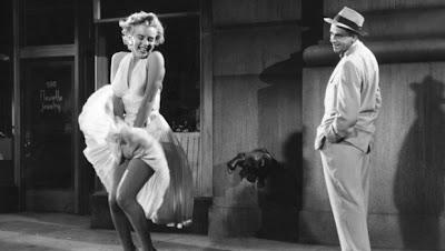 Patung Marilyn Monroe Setinggi 26 Kaki Di Chicago