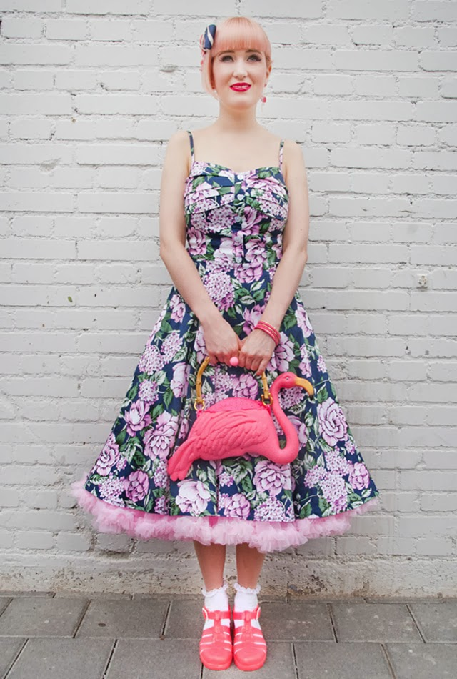 juju, flamingo bag, rockabilly girl with pink dress, flower print dress