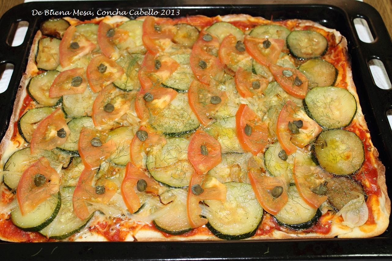Pizza de calabac n tomate y alcaparras con hinojo silvestre for Cocinar hinojo