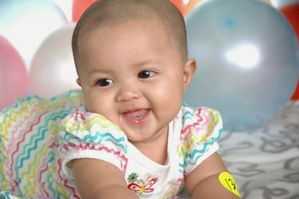 gambar bayi ceria lucu