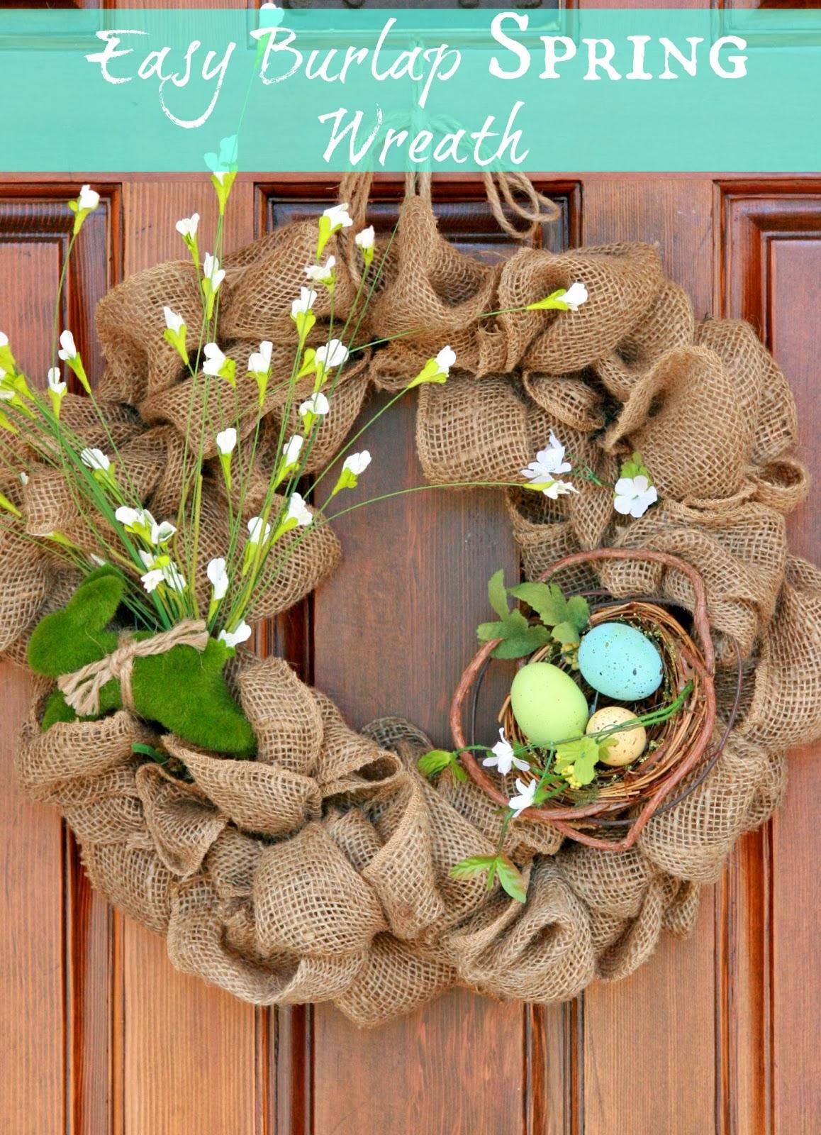 Easy Burlap Wreath. Click for 40 more #DIY #Wreath Ideas