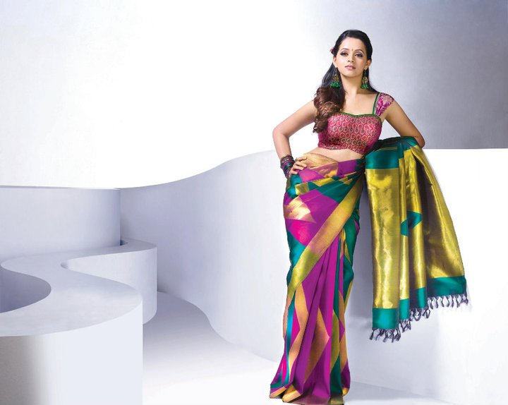 Bhavana fans association bavana in pulimoottil silks ad bavana in pulimoottil silks ad altavistaventures Image collections