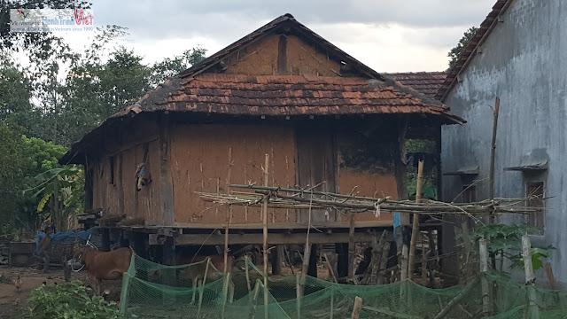 Thăm làng dân tộc Bahnar ở Kontum
