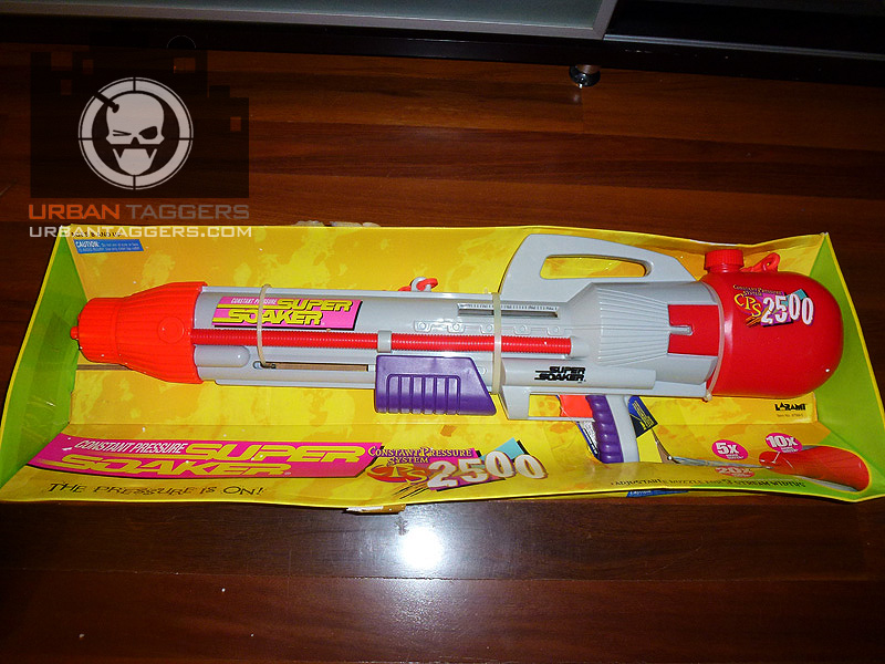 Urban Taggers Retro Super Soaker CPS Thats Tuff - This is the worlds biggest super soaker and it shatters windows