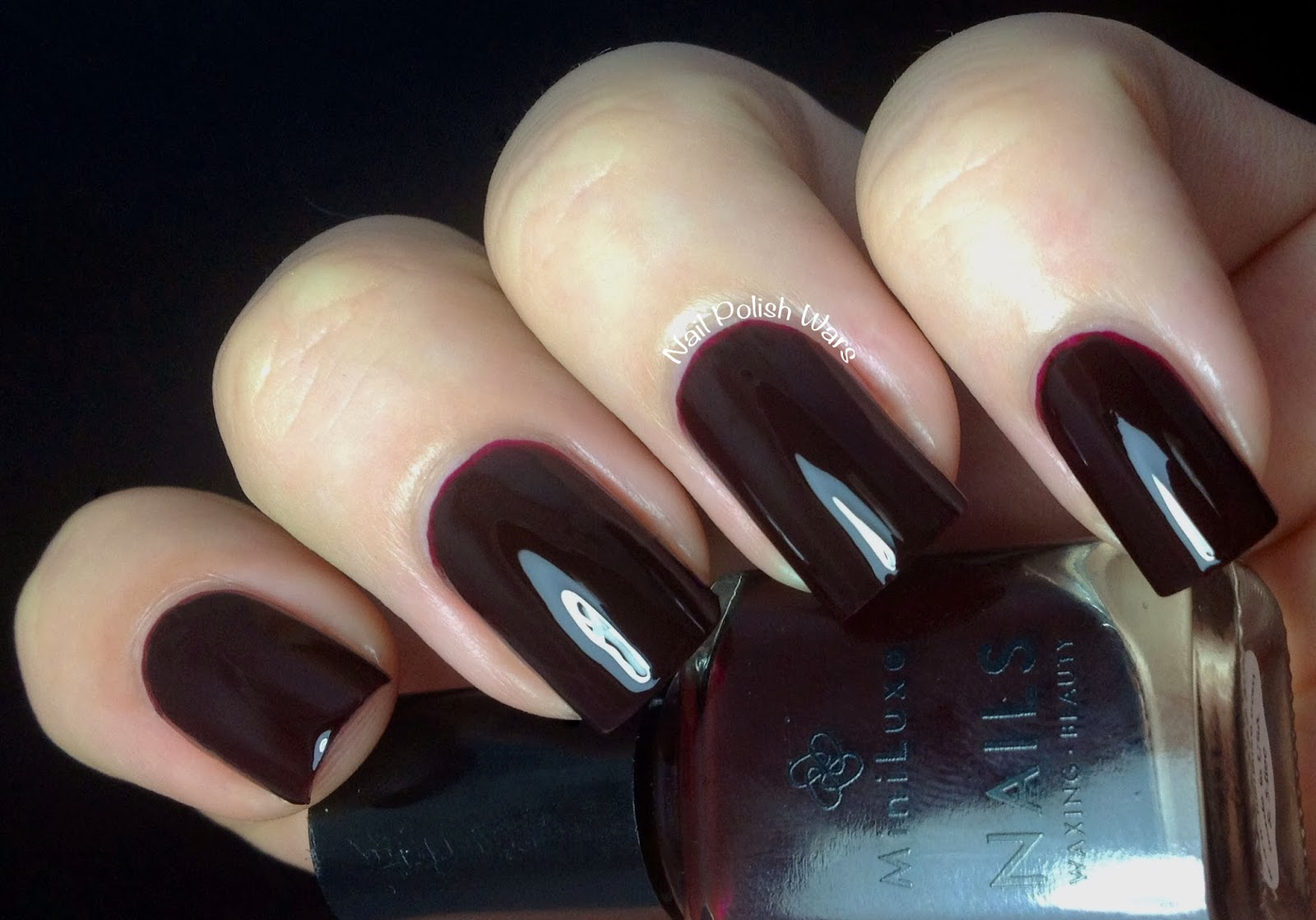 Nail Polish Wars: MiniLuxe Luxe Lynnfield & MiniCure Swatch & Review