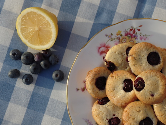 ... Blog   Leicestershire : mini lemon, poppy seed and blueberry muffins