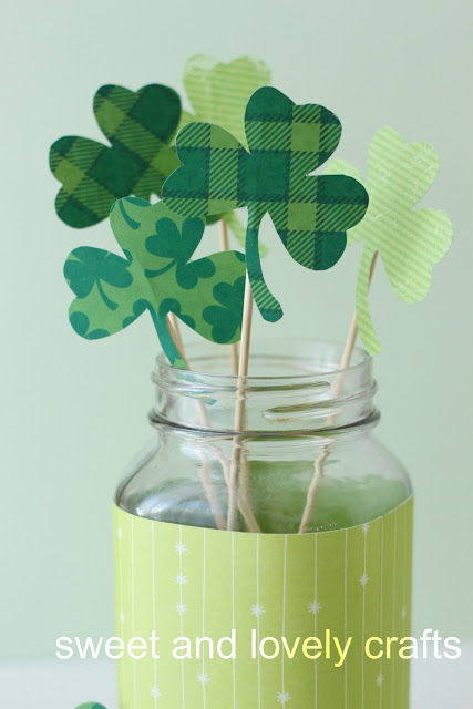 http://sweetandlovelycrafts.blogspot.ca/2011/03/shamrock-bouquet.html