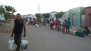 Vereador de Sossego cede caminhão-pipa para abastecer moradores