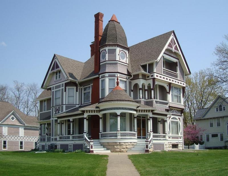The lucas countyan for just 339 000 in fairfield for Queen anne victorian homes
