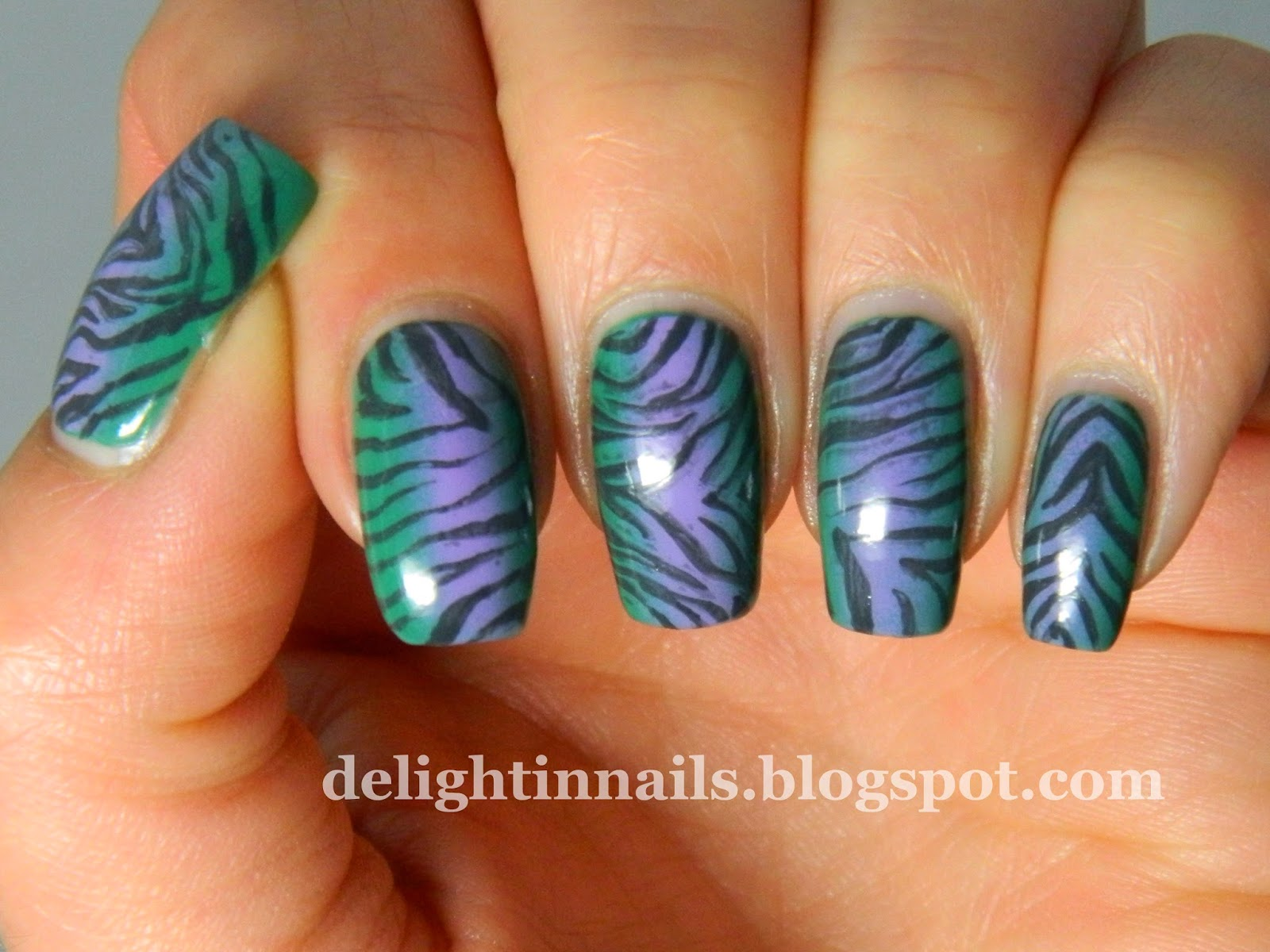Lilac and Teal Tiger Stripe Nails