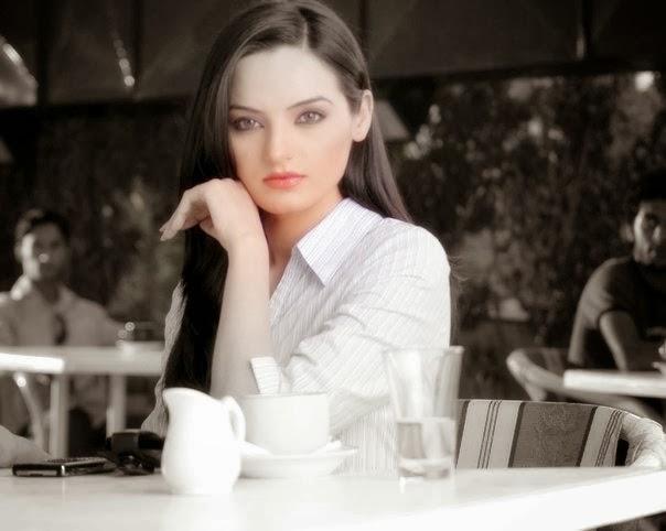 Pakistani+Model+Sadia+Khan+Latest+Hot+Photos006
