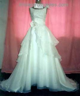 Gaun Malam Cantik Elegan