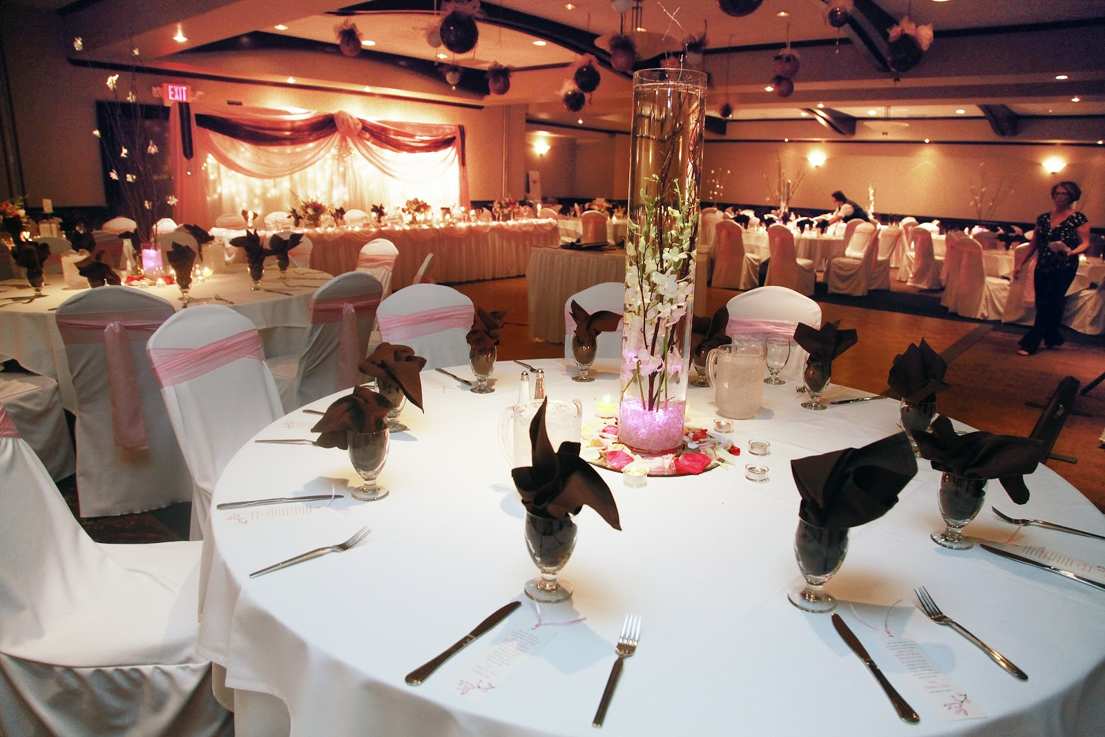 Review Of The Regency Lodge For A Wedding Reception In Omaha