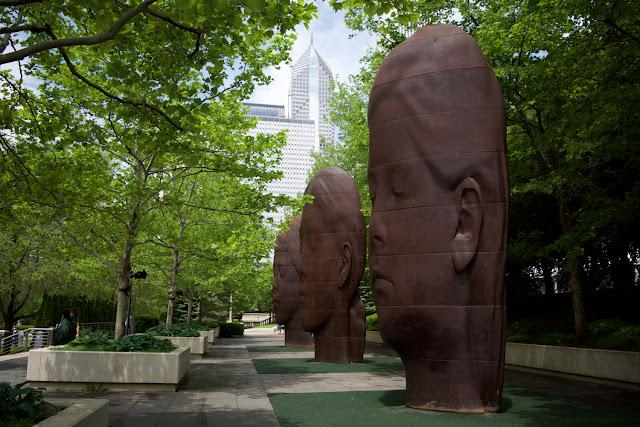 1004 Portraits - Jaume Plensa en Millenium Park de Chicago