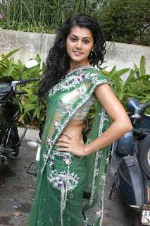 Tapsee-hot-in-saree-images-3