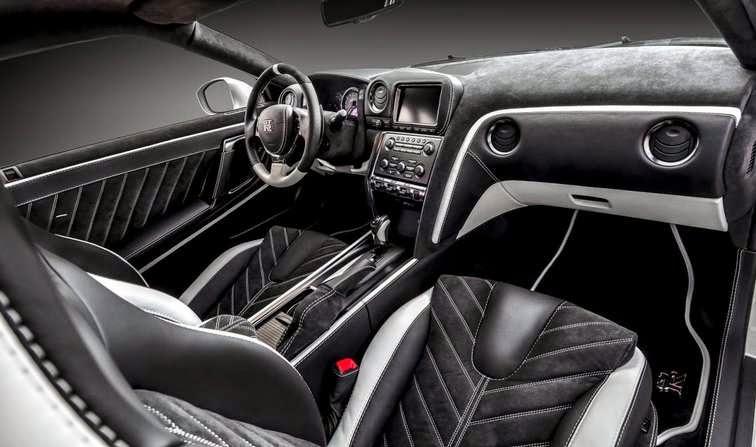 2016 Nissan GT-R Exterior