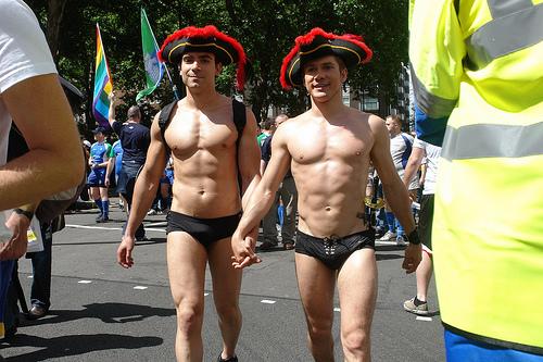 Бесплатные гей фоторолики