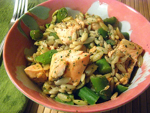 Bowlful of Salmon with Asparagus and Orzo
