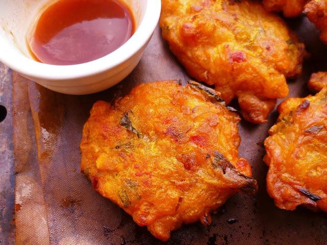Marmaduke Scarlet: malaysian crispy prawn fritters (cucur ...