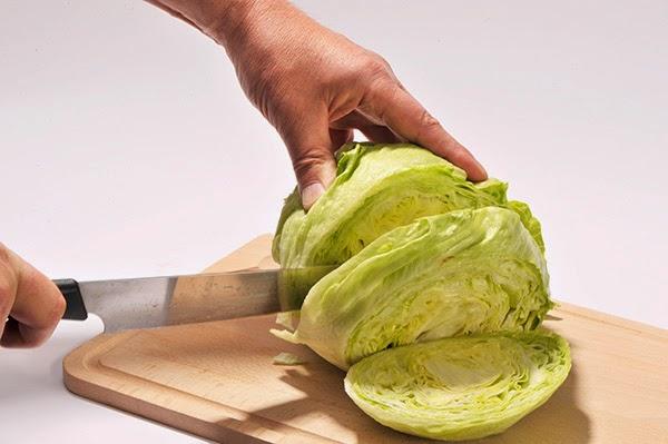 pourquoi la salade ne se coupe pas