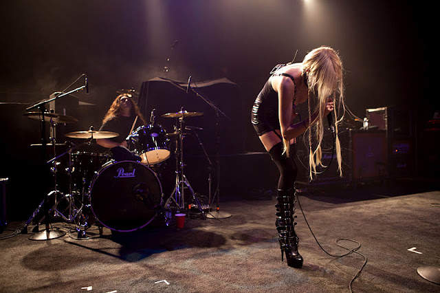 Taylor Momsen Performs Live in Michigan