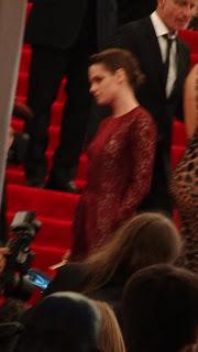 Kristen Stewart - Imagenes/Videos de Paparazzi / Estudio/ Eventos etc. - Página 31 DSC01401