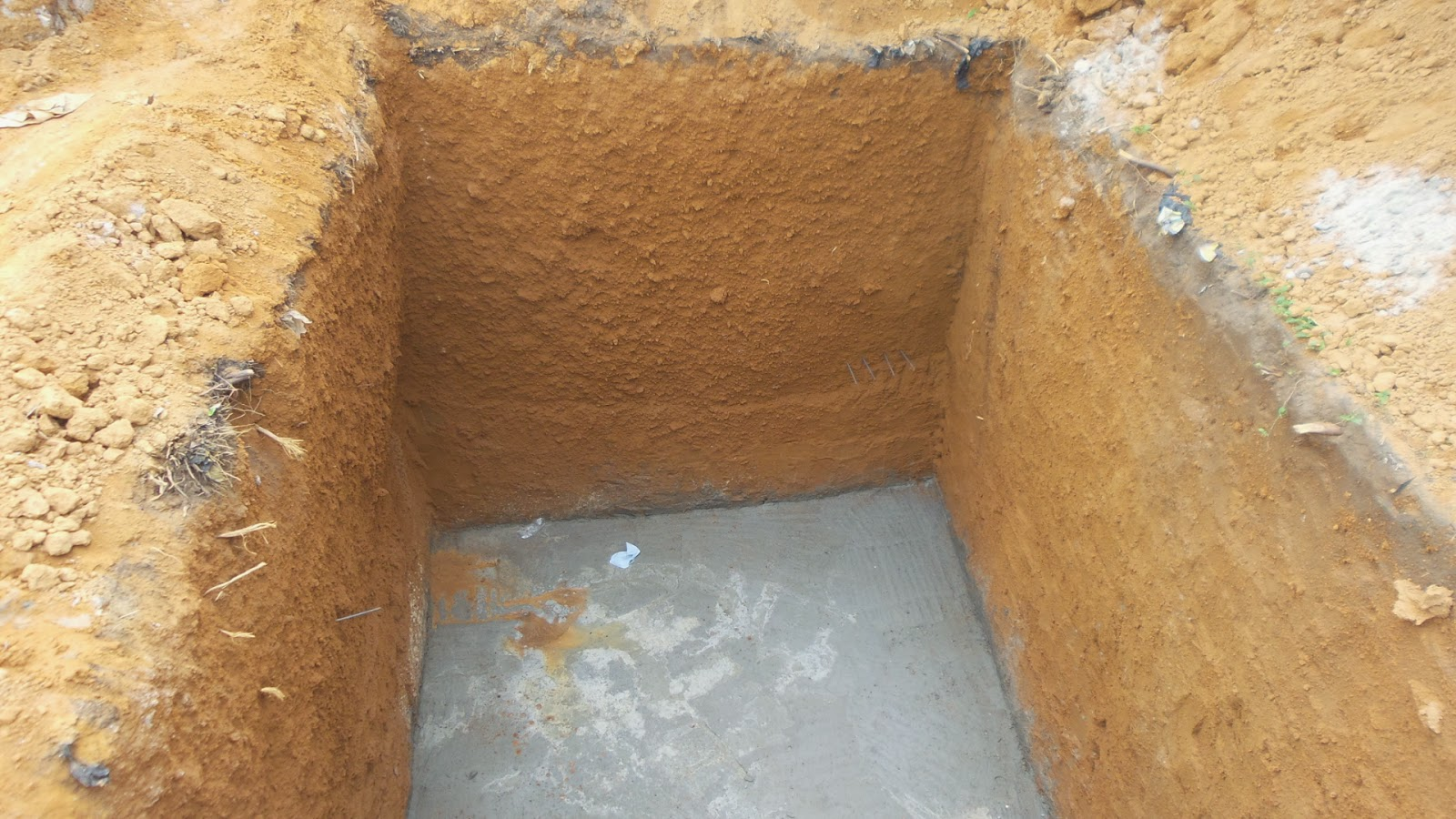 The anatomy of a soak away/septic tank pit | amazing viewpoints