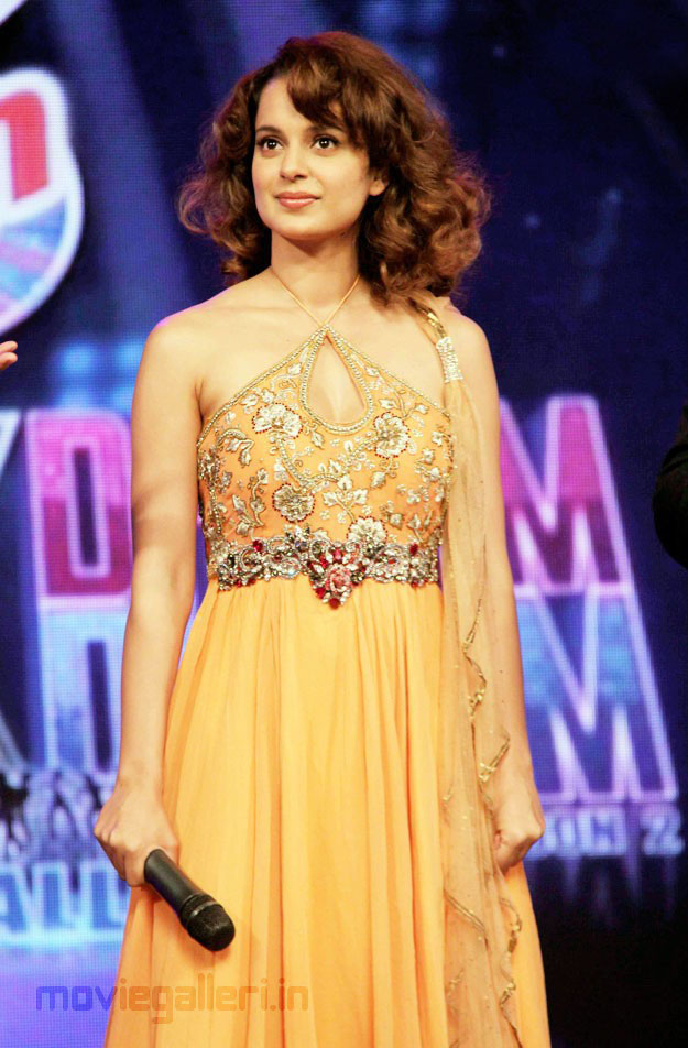 Kangana Ranaut On Sets of Chak Dhoom Dhoom