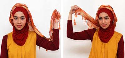 Cara memakai jilbab segitiga modern 3