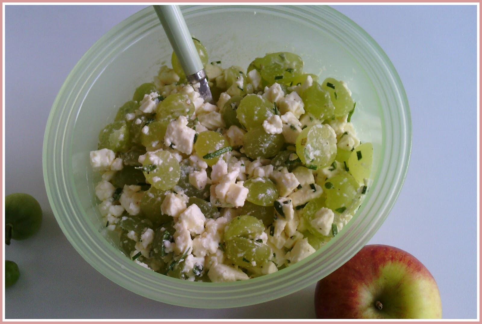 Salat mit feta und weintrauben