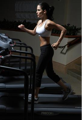 tập thể dục giảm cân bằng máy chạy bộ