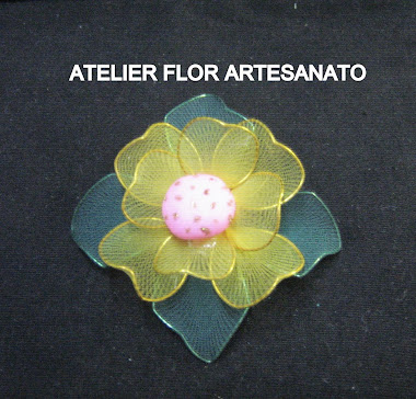 FLOR AMARELA COM 4 FOLHAS