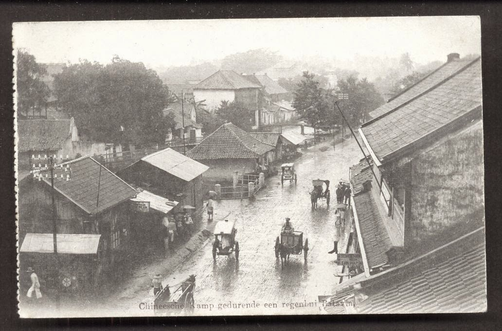 Picture of Batavia Chinatown on the rain - Java Indonesia ca 1915