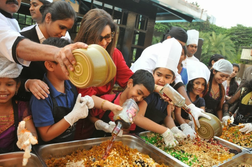 Mahesh Babu Family at Cake Mixing Event - Cinema65.com
