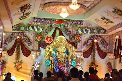 Beautiful Ganesh Chaturthi Decoration Near Limda Chawk Surat 2012