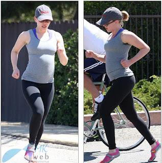 Scarlett Johansson Jogging