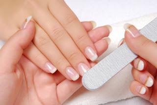 6 Langkah Manicure di Rumah Agar Tangan Cantik Terawat