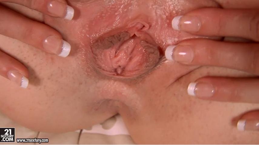 kanlı kızlık bozma  Porno izle  Gerçek Porno  Liseli