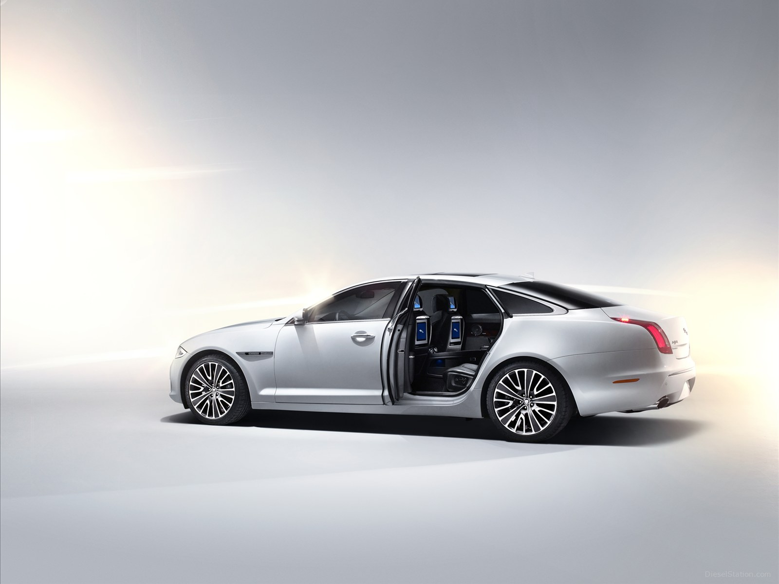 Jaguar Xj 2015 Images Gallery Cars 2015 Pics Hub