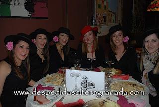 Despedida de soltera en restaurante Mamma mía Granada 3