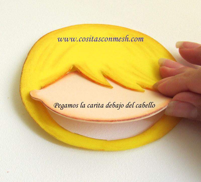 Uso rubor y con el hisopo aplico en forma circular en la carita