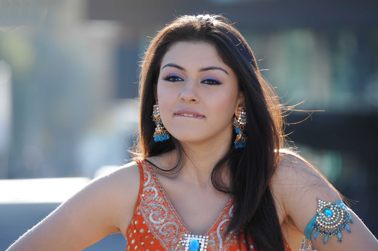 free download wallpaper hd : hansika motwani hd wallpapers