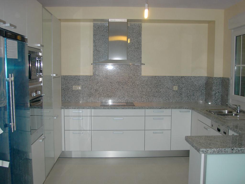 Carpinteria los molinos fotos cocinas for Cocinas blancas con granito