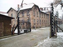 Auschwitz-Os Illuminati querem repetir o q aconteceu aqui:.O EXTERMINO.