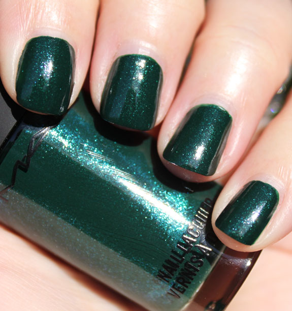 Cosmetic Craving: Nail colors of Fall/Winter 2011!