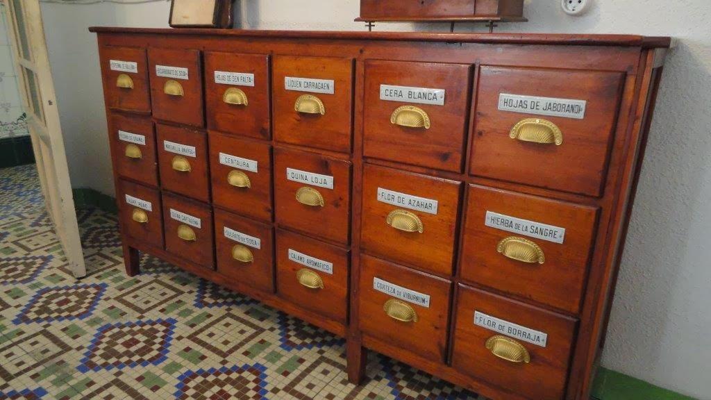 Artesanato Sobre Halloween ~ Venta particular de muebles y artículos antiguos en Murcia Mueble antiguo de farmacia de 18 cajones