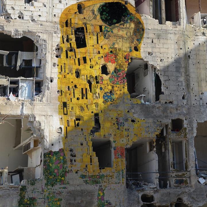 yiweilim, yi wei lim, tammam azzam, freedom graffiti, syria, syrian uprising, syria civil war, syrian art, syrian artist, ayyam gallery, damascus, aleppo, daraa, homs, tammam azzam art, i the syrian, gustav klimt, klimt, the kiss, klimt the kiss