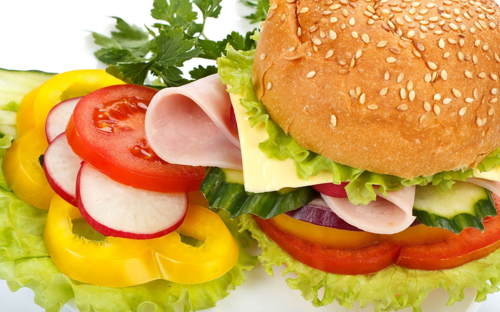 http://1.bp.blogspot.com/-x8YcyGFin3g/UEUJC9O7lNI/AAAAAAAAF-o/j2tUAEz0FdI/s1600/hd-broodje-gezond-achtergrond-met-broodje-ham-kaas-komkommer-tomaat-sla-en-paprika-hd-eten-wallpaper.jpg